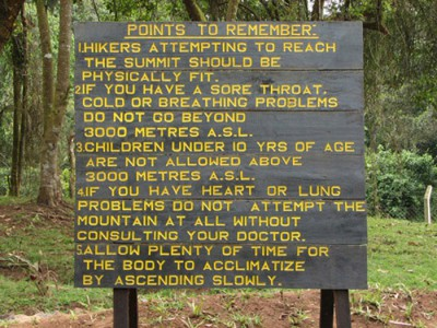 Cartel 1 precaucaciones médicas Kilimanjaro